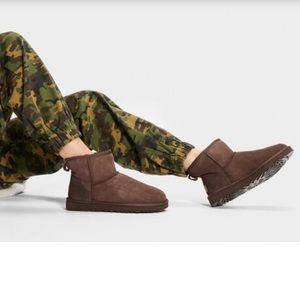 UGG • Classic mini 5854 boots
